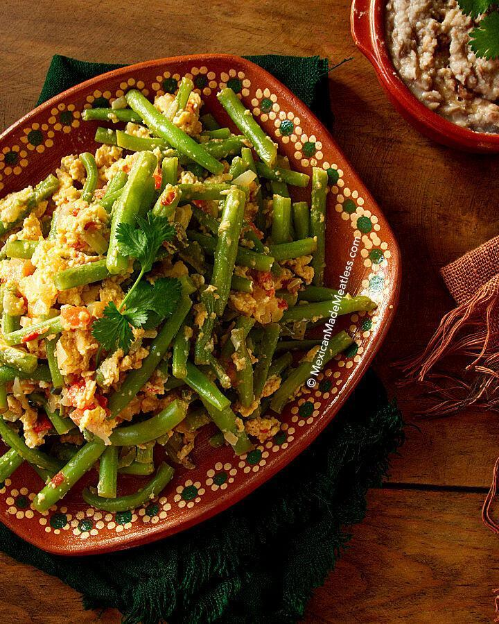 Mexican Green Beans Recipe (receta de ejotes con huevo) | #vegetarian #egg #mexicanfood