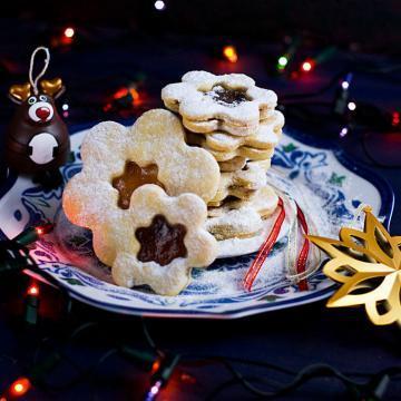 Czech Linzer Cookies Recipe | #lineckekolacky #linzercookies #buttercookies #Czech
