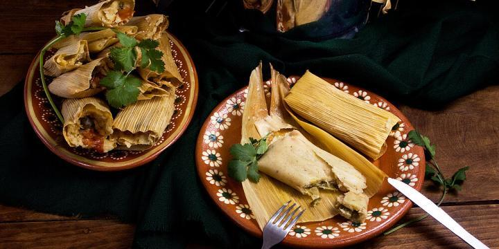 Jalapeno and Chihuahua Cheese Tamales by @MexicanMadeMeatless | #vegetariantamales #tamales #vegetarian #mexicanmademeatless