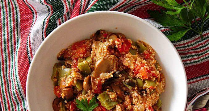 Vegan recipe for quinoa with nopales