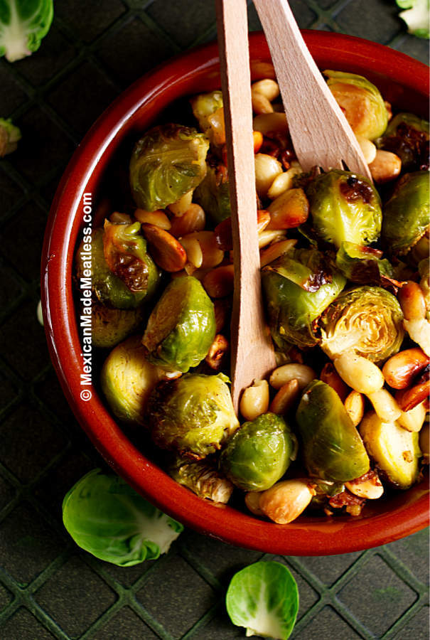 Roasted Brussels sprouts with almonds