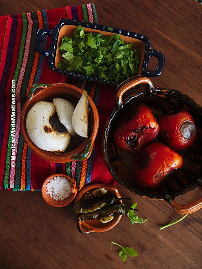 Ingredients used to make molcajete salsa