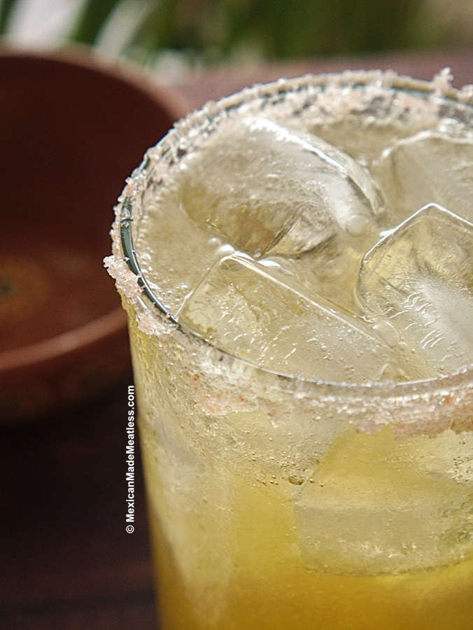 How to Make a Chelada Cocktail